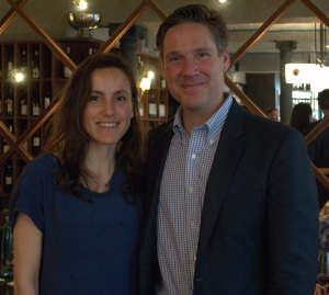Susann, unsere Country Managerin Deutschland, gemeinsam mit Greg Lambrecht bei einer Präsentation des Coravin.