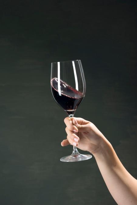 Wine_testing_01_swirl_DSC8186