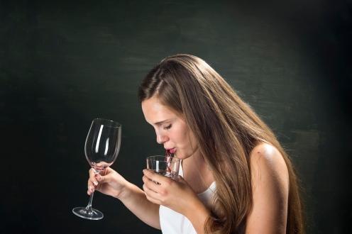 Wine_testing_05_spit_DSC8312
